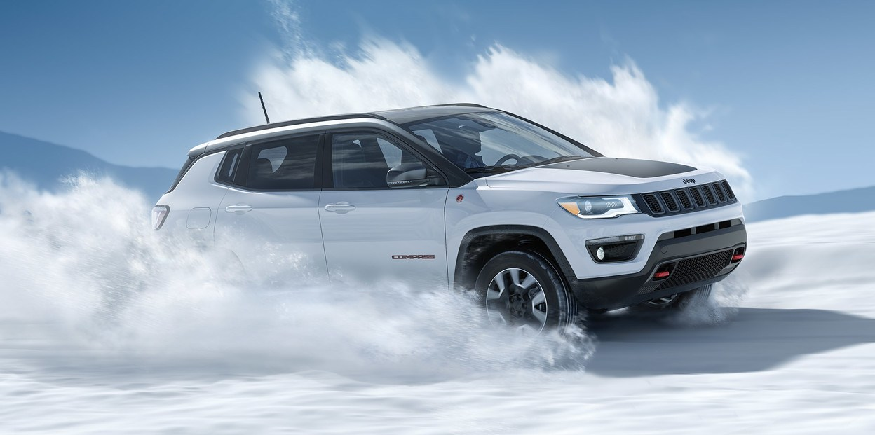 2020-jeep-compass-vlp-overview-hero-winter-pano
